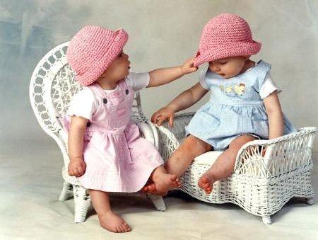 с днем рождения близняшек девочек картинки