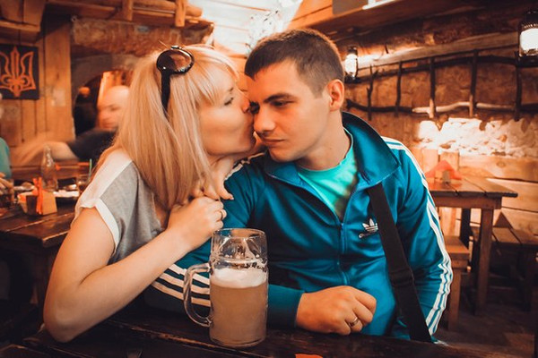 На русской дискотеке пустили по кругу